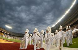 synthbass13:  josephhayes:  guardieandproud:  Phantom Regiment 2010  god. damn.  Minnesota has a thing for storms…