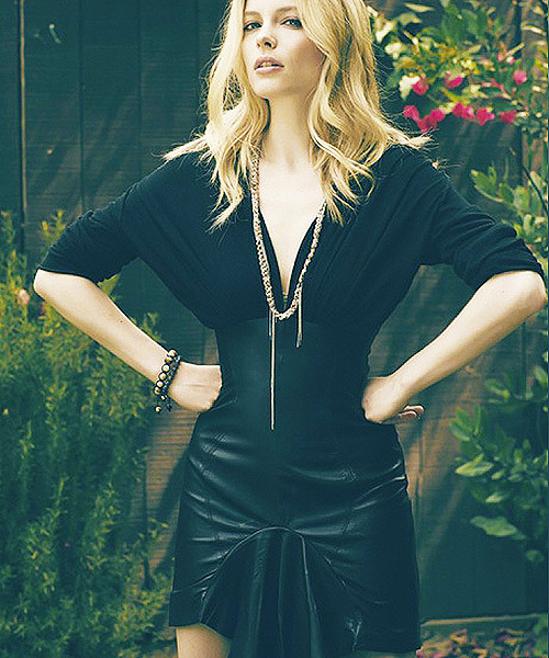 1/100 photos of Gillian Jacobs
