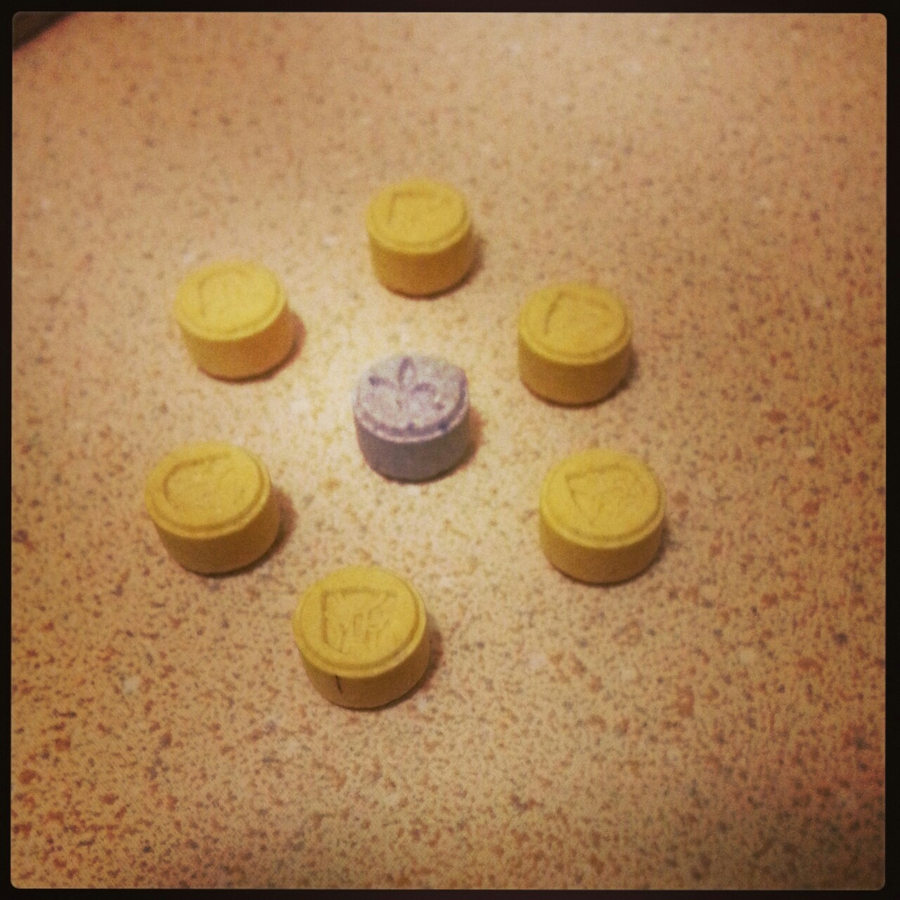 acidzombiedmt:  Colourful fucking pills