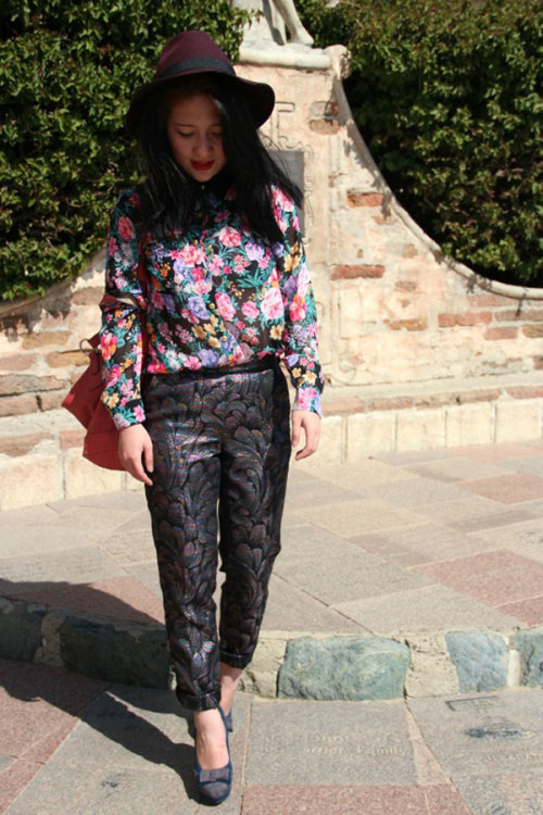 Marian T. is a pro at mixing prints! What do you think of this reader's style?