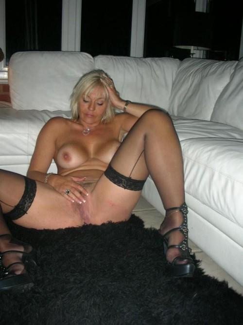 Yummm!!! Sexy mature hotwife!!