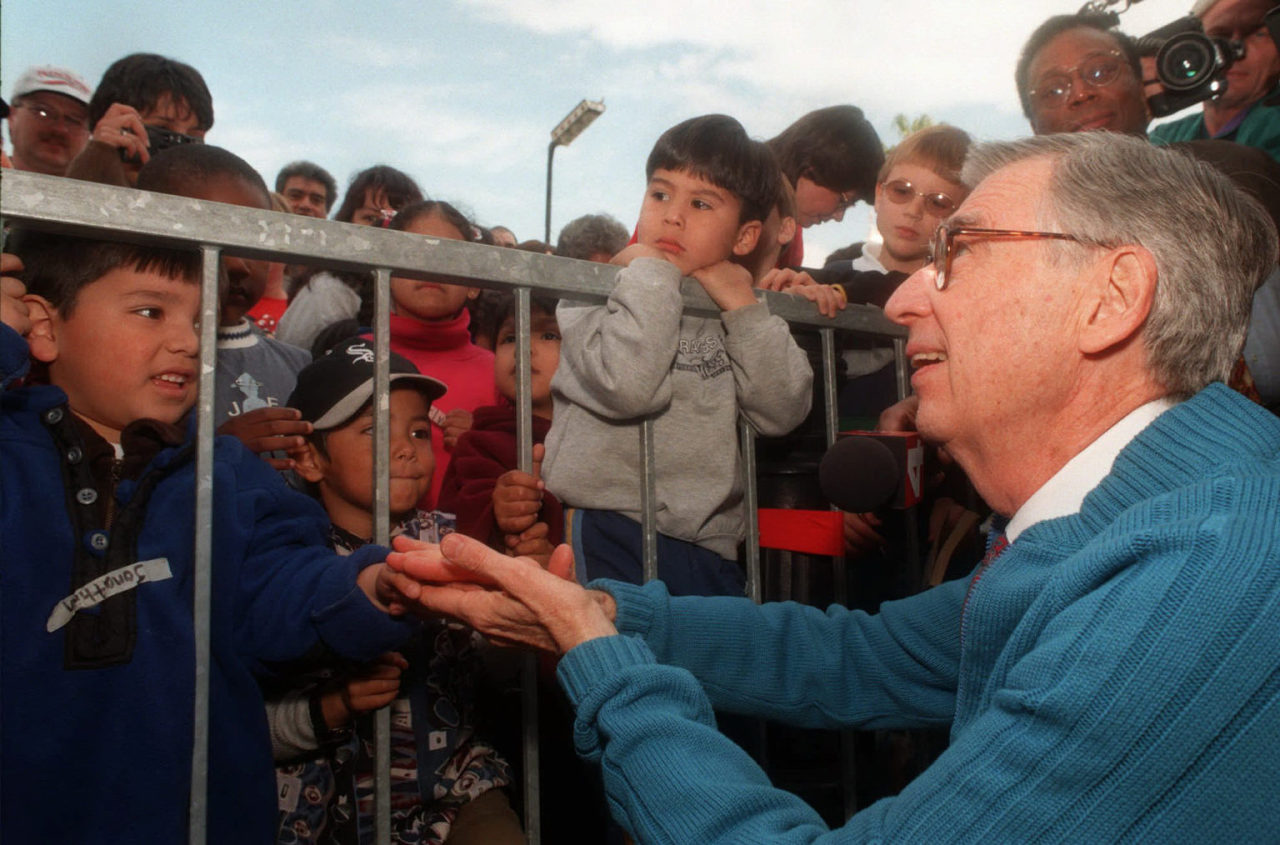 Fred Rogers and his young fans, Jan. 8, 1998 (AP)