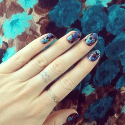 "nailinghollywood:  Water Color Floral by @MPNails using @gingerandliz ""Jeggings"" @jinsoonchoi ""Poppy Blue"" @rgbcosmetics #HIPPxRGB ""F4"" #nails #nailart #floral #nailinghollywood"
