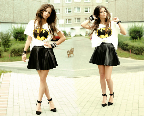 Geek Fashion: Cropped Batman Tee & My Batman OOTDThe Romwe Tumblr blog posted these photos of various looks with the Batman cropped teethat they…View Post