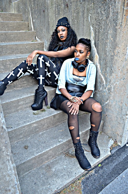 blackfashion:  Tyanna Roberts 20, Monique Webley 25, Mansfield PA Submitted By: http://jajhira.tumblr.com/ Photographed By: Jajhira Herbert
