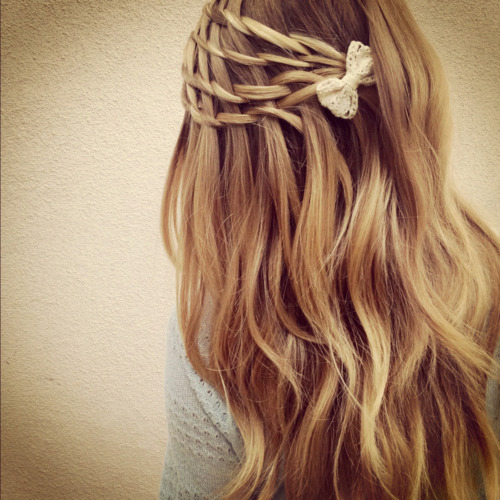 mochacafe:  via Most NOTED Posts hairstyle | Tumblr on We Heart It. http://weheartit.com/entry/46173955/via/ginajust