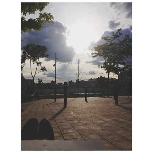 #chocar 1 #sky #park #clouds #light #sun #sunlight #afternoon