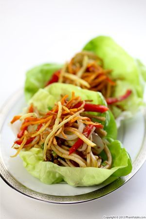 veganrecipecollection:  (via Hakka Noodles in Lettuce Cups - Pham Fatale)