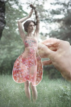 lostateminor:  >A living paper doll photo series by Luca MeneghelThis project is called Paper Doll. The concept came from the childhood pastime of playing with paper dolls. I took the concept of the paper doll and transformed it into something more lifelike, but also retained the surreal elements of a dreamy world and a playful moment.