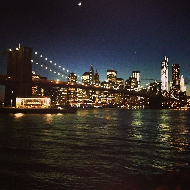 #new #york #city #summer #nights #skyline #brooklyn #bridge #worldtrade #downtown (at Brooklyn Bridge Park Pebble Beach)