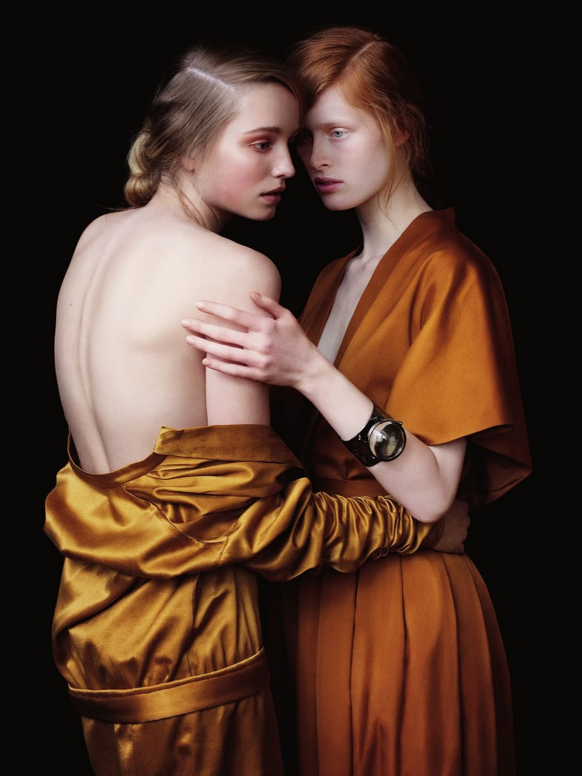 madamedevereshideaway:  Northern Renaissance  Photo of Ilva Hetmann & Kamila Filipcikova by Julia Hetta for Rodeo