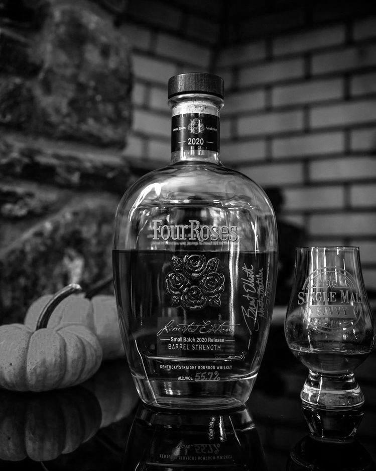 #four roses #four roses bourbon #whiskey#bourbon#glass#drink#alcohol#pumpkin#halloween#lifestyle#bottle #black and white #b&w#bnw#follow#like#reblog#aesthetic#october#2020