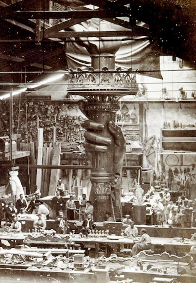 lostsplendor:  Conjuring the Flame: Construction of the Statue of Liberty, France c. 1876 via Belle Époque Europe
