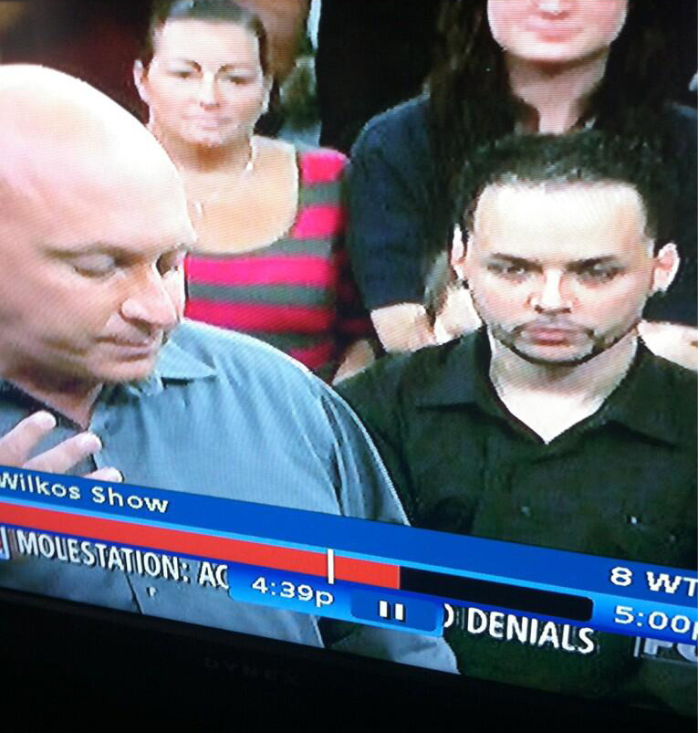 """Dat wuz actshuly not me on steve wilkos show yesturday hahaLOL but i will b on da seasn finaly of kroll show 2nite"" - Bobby Bottleservice (@akaBobbyB)"