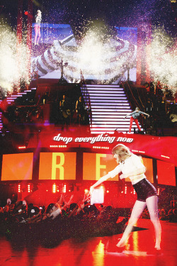 taylor swift edit clara Sparks Fly tswiftedit Red tour