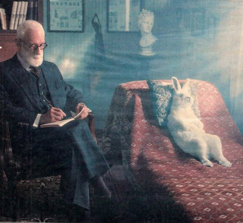 petymeg81:  Rare photo of Sigmund Freud during a psychoanalytic session.