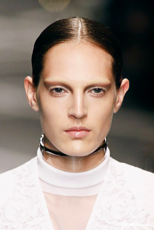 Givenchy Spring-Summer/2013 beauty and plexiglass collar.