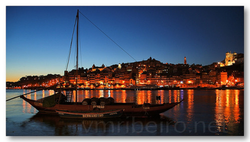 Ribeira ao cair da noite on Flickr.PORTO (Portugal): Ao cair da noite na Ribeira…See where this picture was taken. [?]