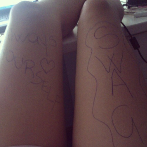 #swag #tattoos #alwaysyourself #legs #bored #pen #blue #smile