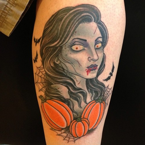 Here's a fun one from #deadpreztattoo. The pumpkins wrap a little so they look a little stretches out in the pic, lol. #slavetotheneedle