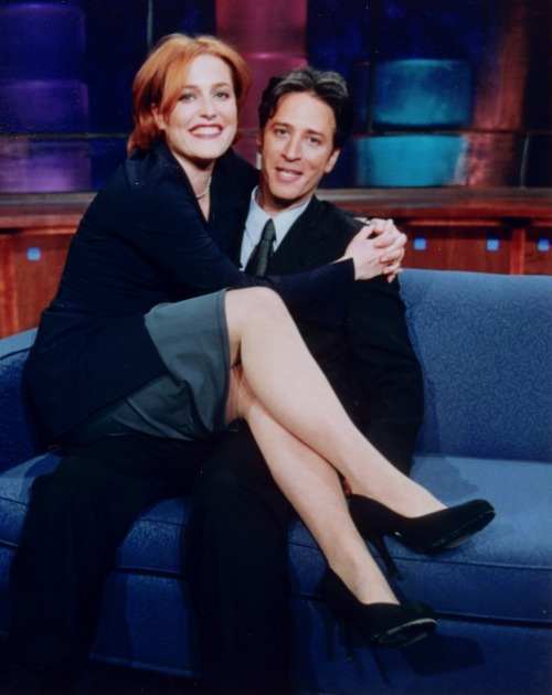 nearlyvintage:  Gillian Anderson and Jon Stewart