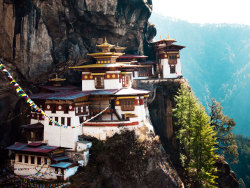 condenasttraveler:  The Grand Tour of Asia: Bhutan | Taktsang Palphug monastery, or Tiger's Nest