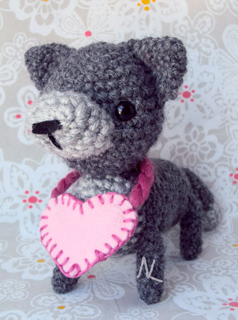 Valentines Wolf with heart is complete. Now to take it to the post office! -runs-