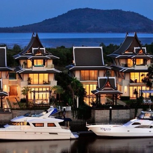 Twins. #yacht #boat #mansion #luxury #architecture #design #style #water #lavish #rich