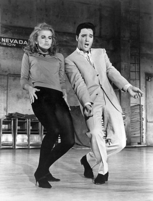 voxsart:  The No Lapel Suit. Elvis, with Ann-Margret.  check the expressions, that's live