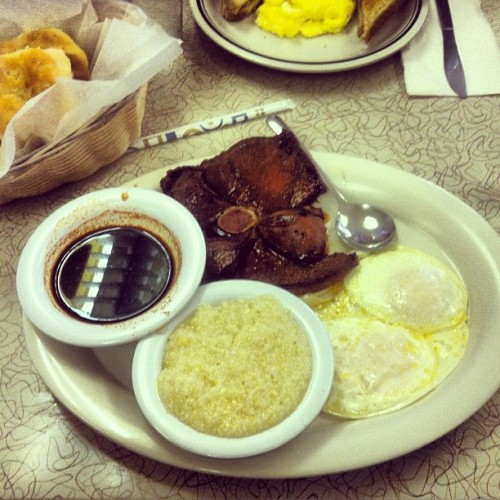 Ham,grits,eggs and gravy