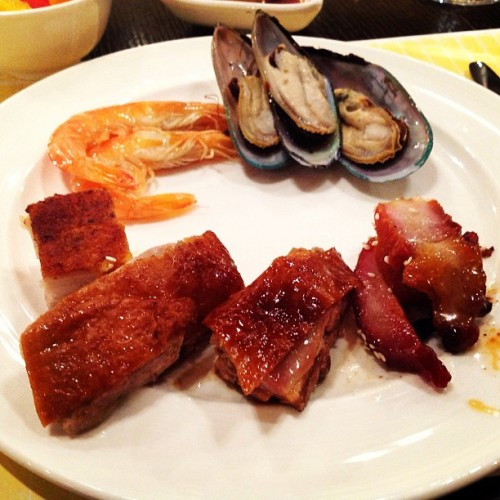 Seafoods and some pork. #macau #buffet