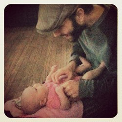 Best daddy in the world…no joke. #therealhusbeard makes my life so easy and I wouldn't trade him for anything #lillyanelizabeth #dad #daddy #daughter #baby #babygirl #playing #cute #precious #love #husband #family #morning