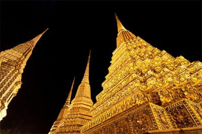 gadling:  Buddhist temples in Thailand are unlike any other in the world. (via Photo Of The Day: A Golden Thai Temple | Gadling.com)