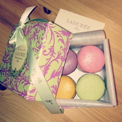 Awesome surprise birthday macarones from @tiffanykapri  (at Metro Minis)