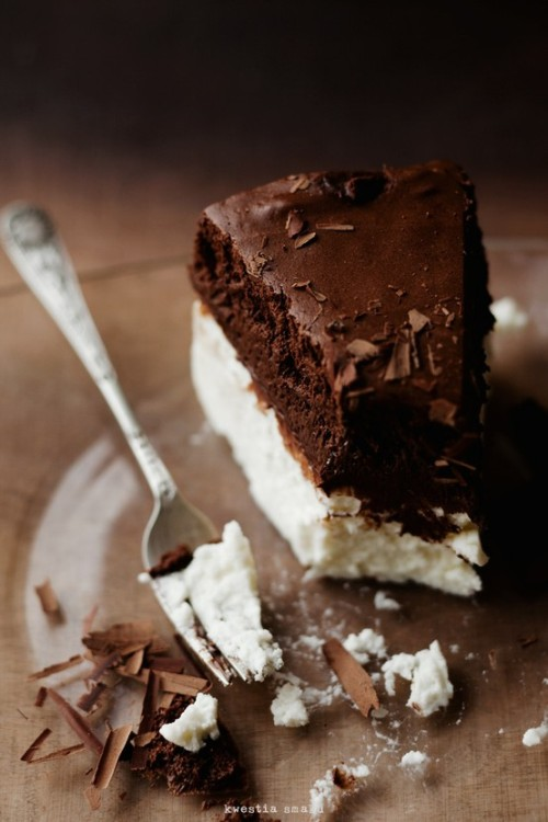 basilgenovese:   Chocolate Mousse Cake