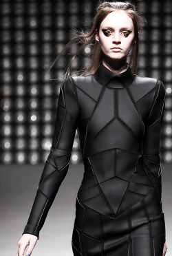 edge-to-edge:  Gareth Pugh AW2011