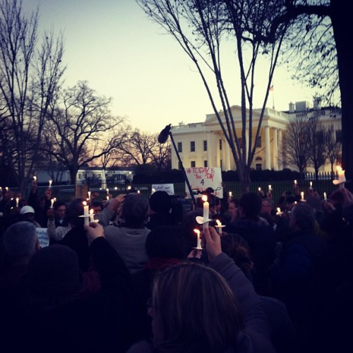 Candlelight vigil outside the White House to honor the victims of today's shooting