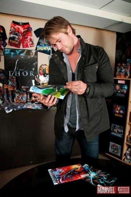 greenxodayxo:  Thor reading Thor in a room full of Thor.  Thorception.