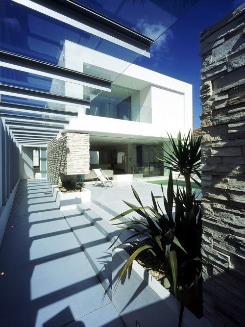 foxxies:  life1nmotion:  Steve Domoney Architecture  amazing