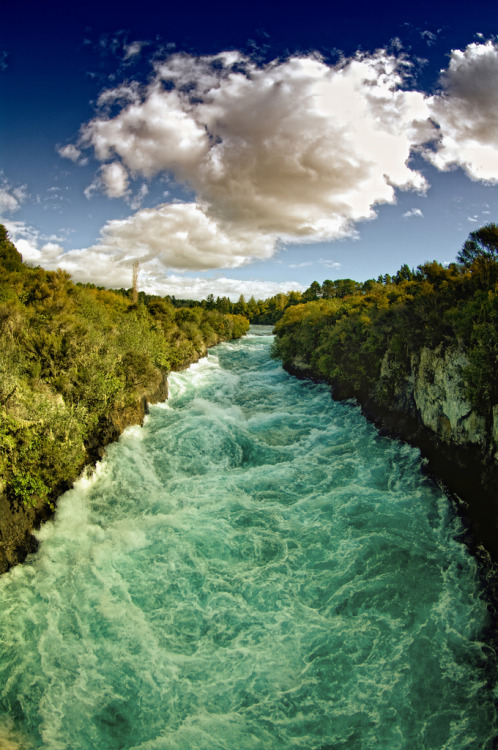 touchdisky:  Huka Falls | New Zealand by /\ltus