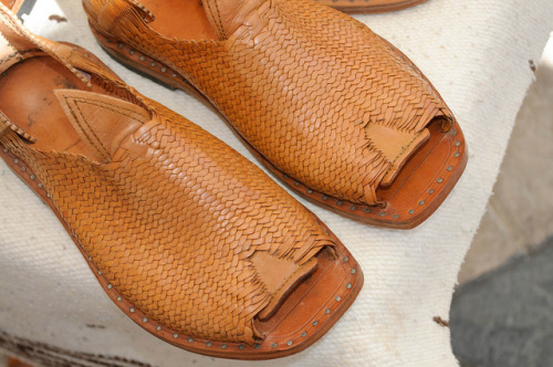 Handmade huaraches from Jocotepec by nullboy on Flickr. I've been searching for someone who makes huaraches in Los Angeles, but I haven't found anyone yet. I figure there must be some cobbler here who makes them in his spare time. The sad truth is that my feet are too narrow for the off-the-shelf version, and I don't have any trips to Mexico in my immediate future. While I was searching, I came across this gorgeous pair from Jocotepec, in Jalisco. If only I was headed there sometime soon…