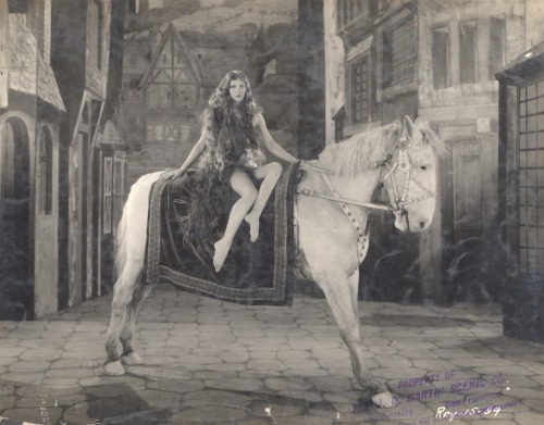 mary pickford on horse