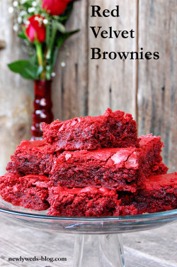 extraordinarybrother:  crunchwrapcunt:  efccooking:  Red Velvet Brownies  I've made these, but they were cream cheese swirled  Someone should make these for me…ijs