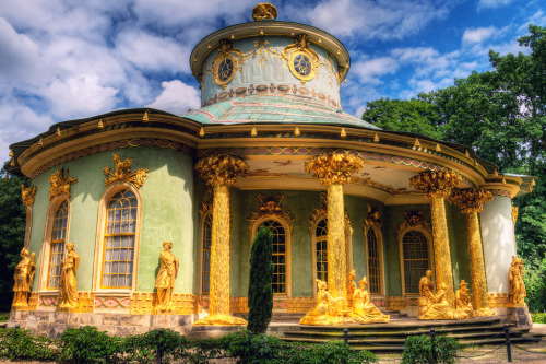 metalshell:  allthingseurope:  The Chinese House, Potsdam, Germany (by Wolfgang Staudt)  I've been there!!!!