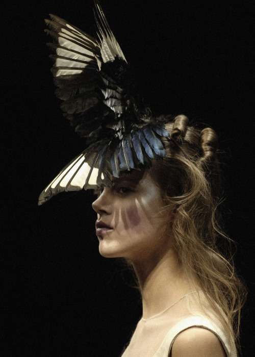 lavandula:  freja beha erichsen at alexander mcqueen autumn/winter 2006-2007