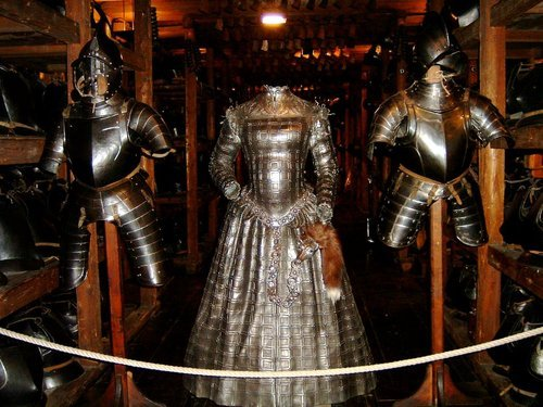 musingsofafreifechter:  A dress of armor. Housed in a museum in Stryia, Austria (I believe).