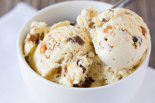 foodescapades:  Malted Vanilla Ice Cream with Peanut Butter & Chocolate Chunks