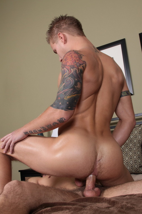 ilovejoeyhard:  Brody wilder riding a dick