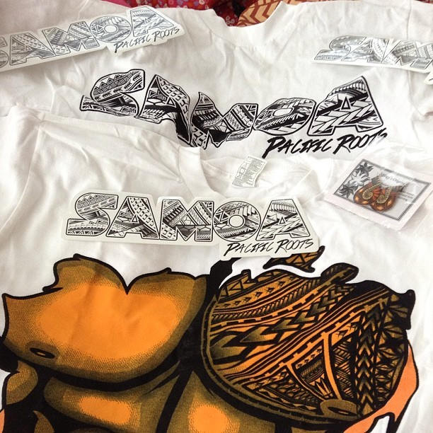 Shoutout to @pacificrootsapparel for the new shirts, stickers and earrings :) thank you Kamiago! Love you BC! 👌