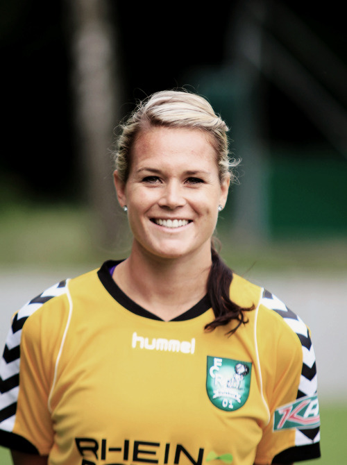 demisexvatto:   1/∞ pictures of Ashlyn Harris that make me want to die